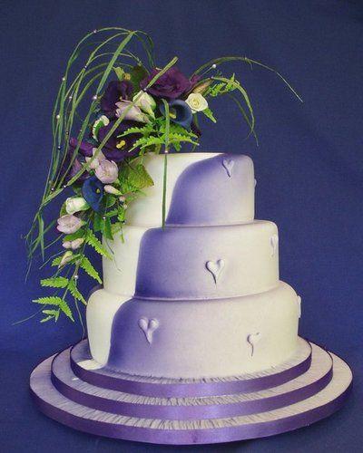 Purple Wedding Cake on Purple Heart Wedding Cake  Wow Cakes By Wendy Broadhead