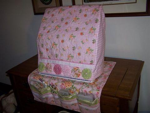 Lynne's sewing machine cover- machine has thread rack