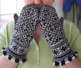 Beautiful knit Latvian mittens