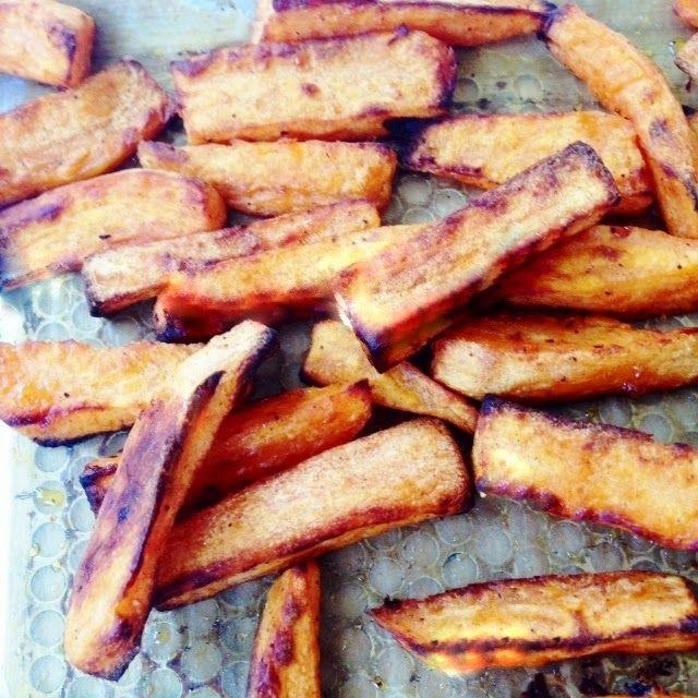 Les 25 meilleures id es de la cat gorie frites au four croustillantes en exclusivit sur - Frite de patate douce au four ...