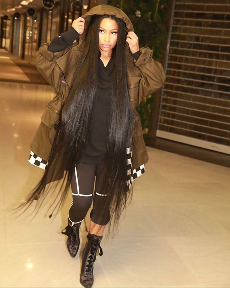 "638.3k Likes, 6,877 Comments - Nicki Minaj (@nickiminaj) on Instagram: ""Wen ya deh pon ya low ting but true seh you ah bad gyal so ya shine still """