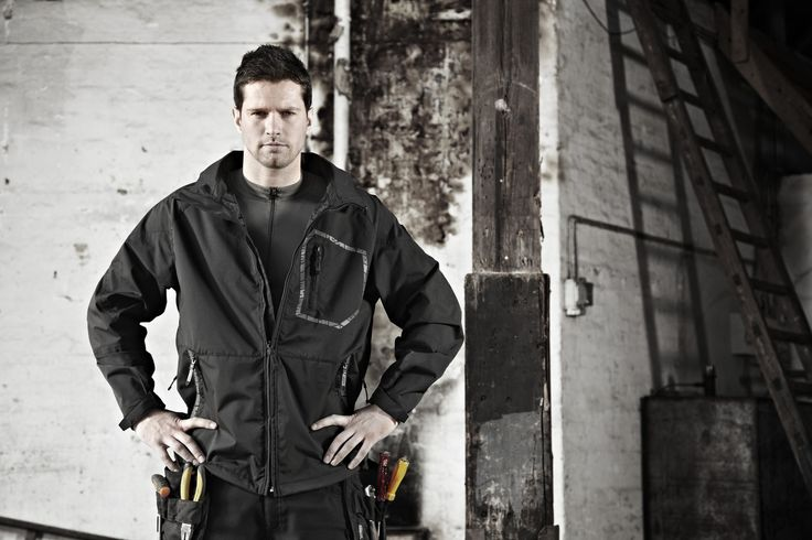 MASCOT Workwear creates next generation work clothing and outerwear using the latest in fabric technologies and design to make a hard days work easier and more comfortable. Look good while you work with MASCOT Workwear.