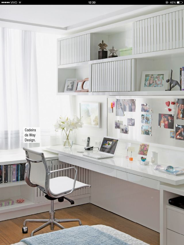 Home office clean cheio de charme