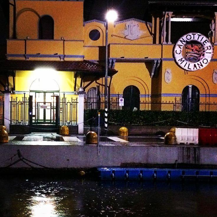 < Naviglio pioggia luci e la notte silenziosa > #milan #milano2015 #igersmilano #igerlombardia #volgomilano #volgolombardia #top_lombardia_photo #loves_milan #LOVES_UNITED_MILANO #milanodavedere #milanodavivere #canottierimilano #naviglio #rain #pioggia #night #milanonight #vivomilano #goodshot #goodplace #mymilano #milano_forever by pope_art