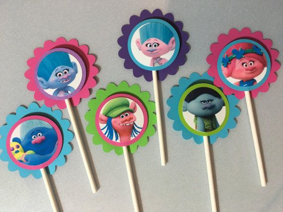 Trol de película Cupcake Toppers por PartysandMore en Etsy