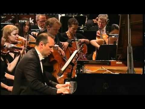 Macedonian pianist Simon Trpčeski!!!!!