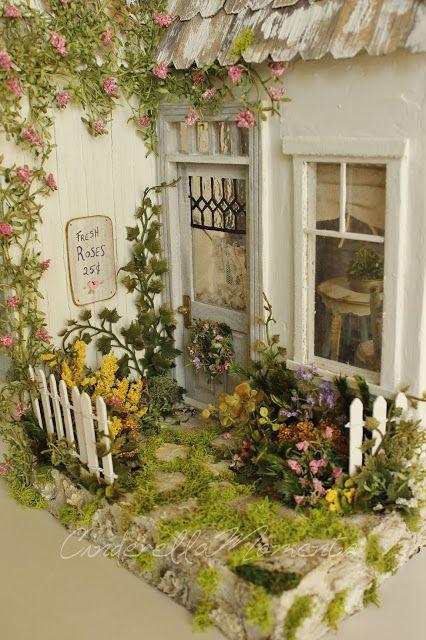 http://www.cinderellamoments.com/2017/03/the-sweet-life-custom-dollhouse.html