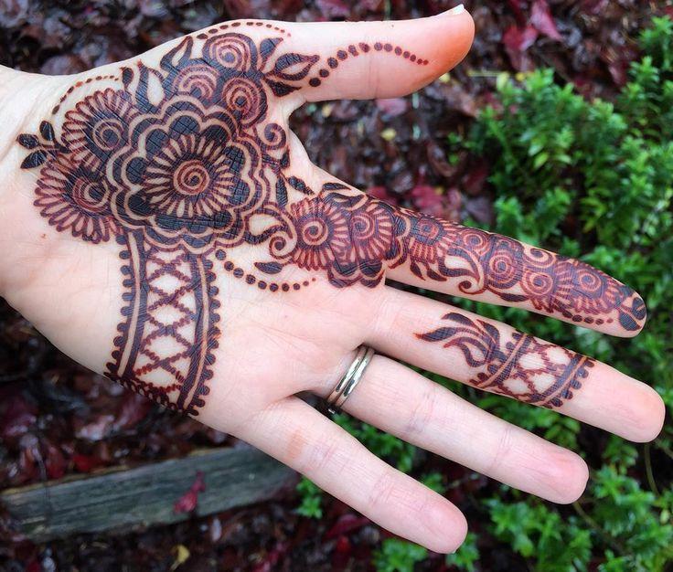 Such rich color!  #suraja #surajastain #organichenna #organic #raj #Rajasthani #henna #hennastain #sarahenna #darkhenna #naturalhenna #ppdfree #realhennaisnotblack #realhenna #nofilter