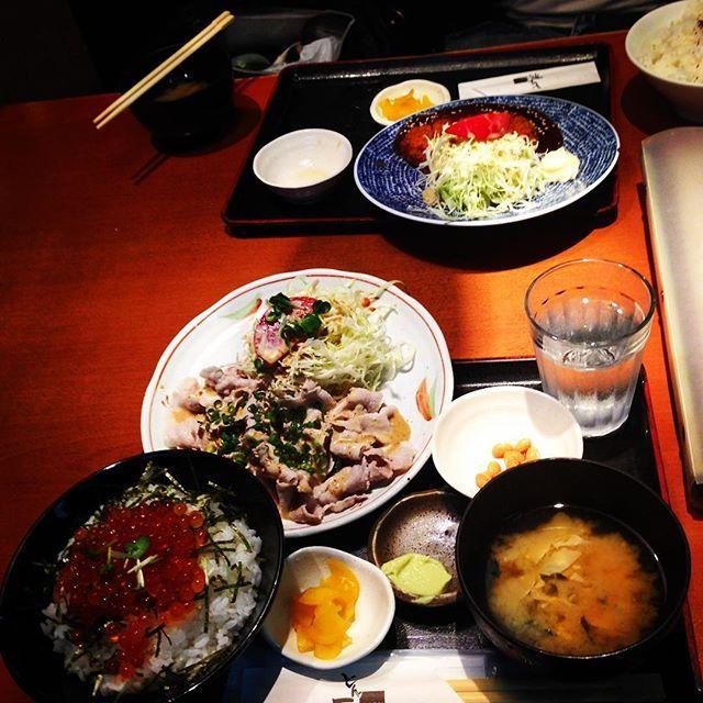 美味っ!!(๑´ڡ`๑)💕 #goodmorning  #東京 #埼玉 #新宿 #渋谷 #原宿 #表参道 #お洒落 #自撮り #ランチ #ディナー #いくら #いくら丼 #肉 #しゃぶしゃぶ #定食 #very #good #friend  #tokyo #lunch #dinner #meat  #UVERworld #crew #AAA #aaaparty  #星メン #member #johnnys