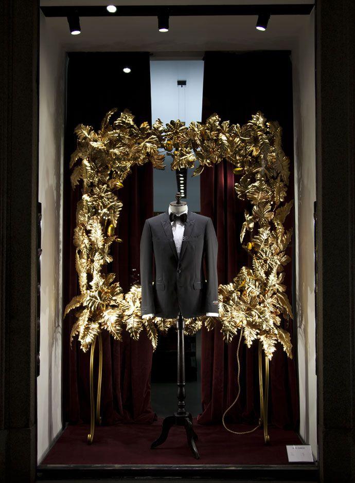 Dolce&Gabbana Christmas 2013 shop windows in Milan - Men Boutique - Tuxedo and Velvet Bowtie