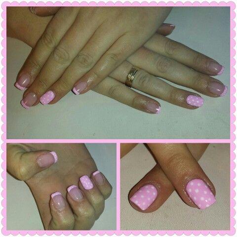 Lunares (uñas de gel Romina en facebook)