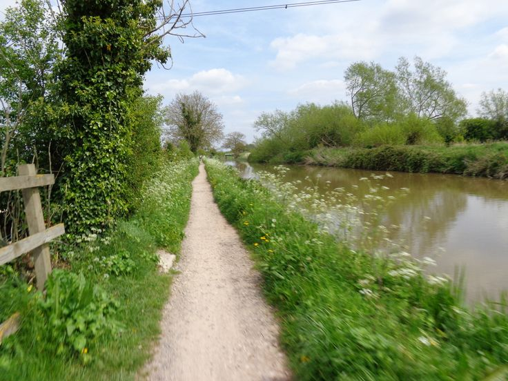This is a stretch of the towpath which extends east and west of Bradford on Avon for more than 10 miles in each direction
