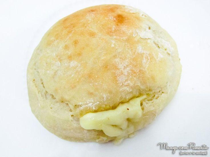 Pão de batata fofinho, perfeito para um lanche. Clique na imagem para ver a receita no Manga com Pimenta.
