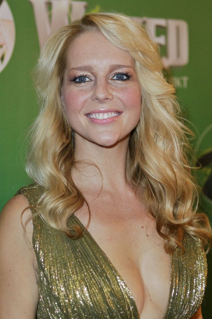chantal janzen | Chantal Janzen is BN-MILF 2012