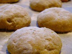 Bij pompoen denk je misschien niet direct aan koekjes maar deze pompoenkoekjes moet je echt een keer proberen. De zoete smaak van de pompoen samen met de