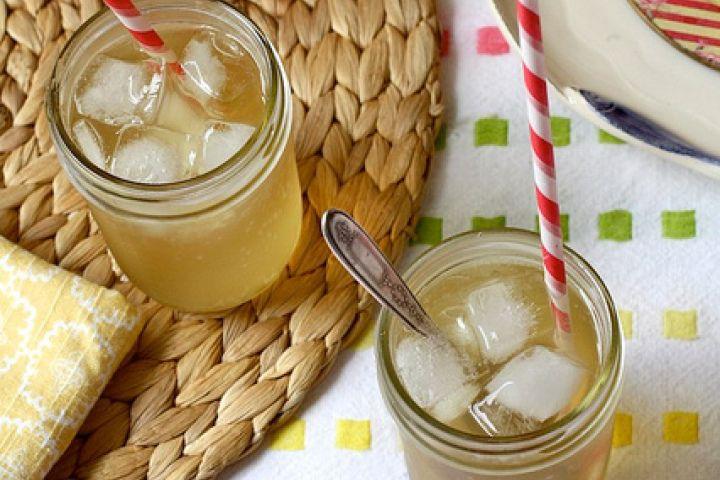 Honey Chamomile Soda Ingredients 21/2 cups  water  3  tea bags (chamomile)   1 cup  honey   club soda (cold)   ice cubes   lemon (wedges, optional