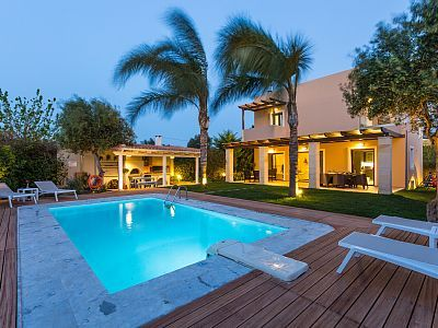 Rethymno villa rental - Villa Marina boasts a unique 30 m2 and 1.40 m deep private swimming pool!