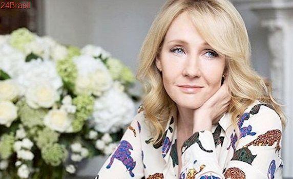 Após declarações de J.K. Rowling, fãs de 'Harry Potter' ameaçam queimar livros
