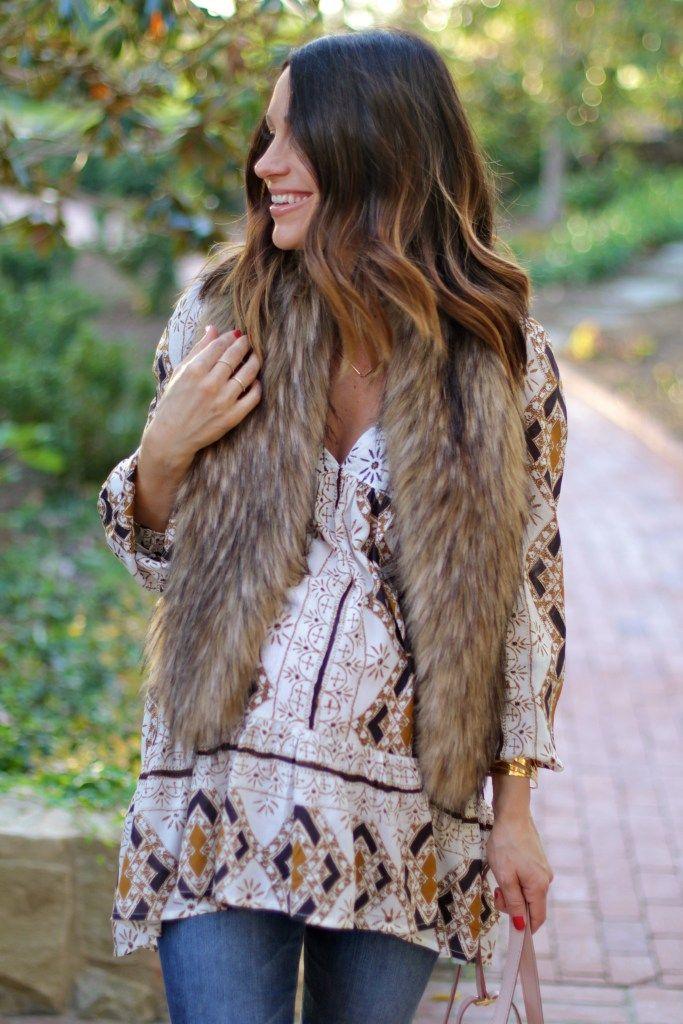 boho pregnancy style, faux fur stole