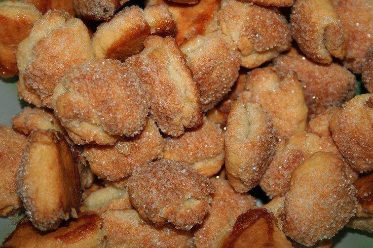 Легкие и быстрые творожные печенья! Продукты: Сливочное масло или маргарин - 200 гр Творог брикетный - 1 пачка