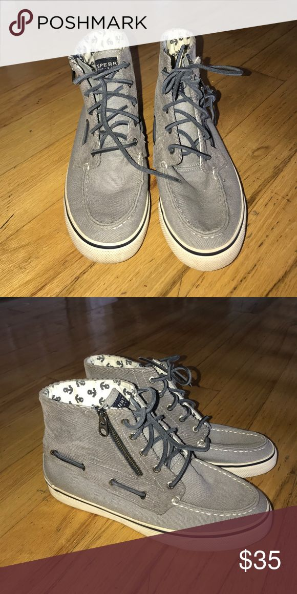 Sperry high tops Lightly worn sperry high tops! Sperry Top-Sider Shoes