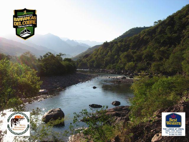 #barrancas #cobre #barrancasdelcobre #turismo#chihuahua#aventura#ciclismo BARRANCAS DEL COBRE te dice. Cómo llegar a la barranca de Urique. La entrada por carretera a la región de las barrancas del Cobre-Urique es por la hermosa comunidad de Creel, población considerada como la puerta de la Sierra Tarahumara. La primera zona de miradores, a 50 km. de Creel, se encuentra en la estación ferroviaria llamada Divisadero y su vecina comunidad de Areponápuchi. . www.chihuahua.gob.mx/turismoweb