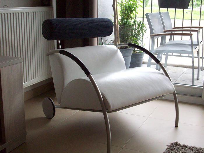 Ontwerp Peter Maly voor COR - fauteuil met hocker 'Zyklus' - 1984