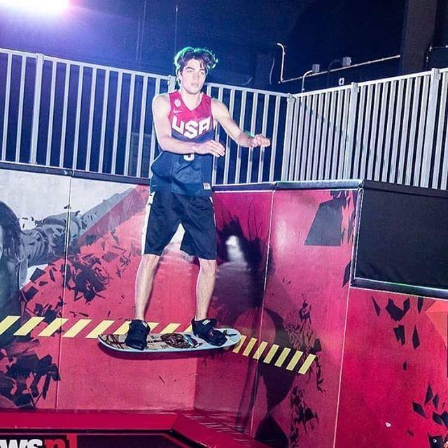 Bedankt Jumpers, de afgelopen 2 dagen waren super gezellig, goede sfeer, en veel jumpers met een glimlach  Wat een feest tijdens de herfstvakantie. Wist je dat wij elke dag om 11 uur al open zijn deze vakantie?  Tot jumps. Wel even vantevoren reserveren via link in de bio  #jumpxl #jumpxlwaalwijk #trampoline #trampolines #trampolinepark #superfun #trampolinefun #Bounceboard #boardlife #boarding #fitness #health #jumping #lifestyle