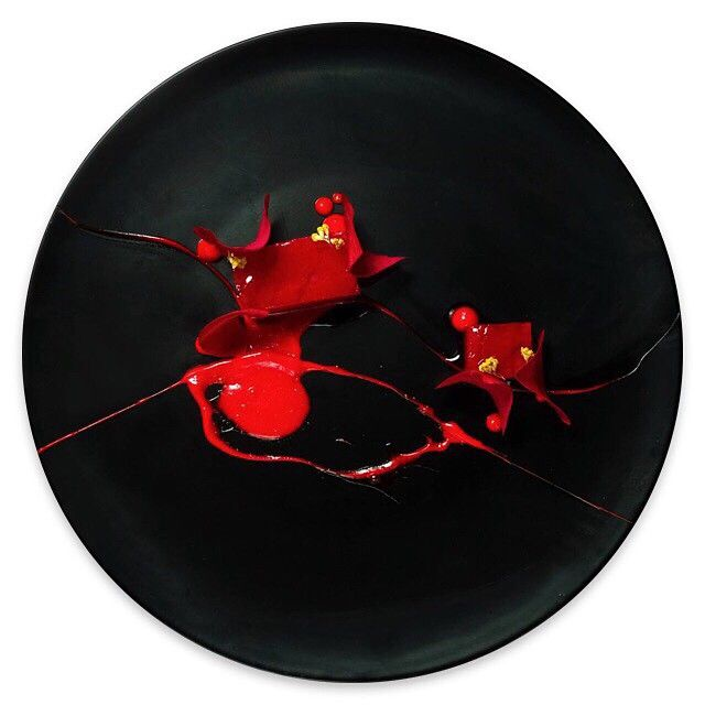 Japanese red tuna and rose by chef Yann Bernard Lejard of restaurant Glow from Saudi Arabia #TheArtOfPlating