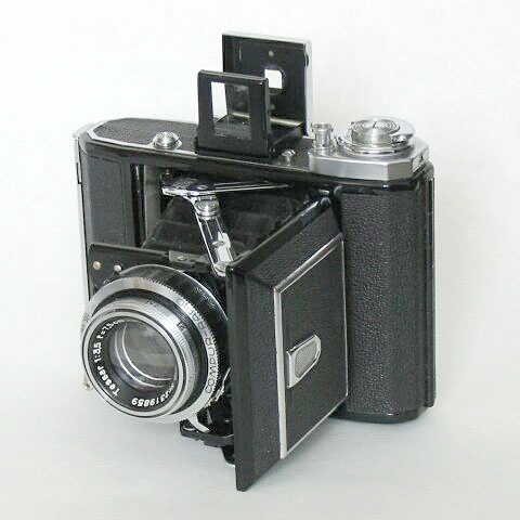 Ikonta pocket camera
