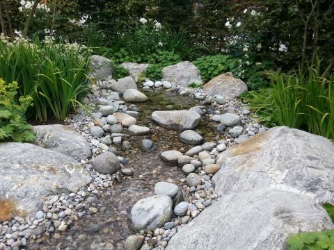 Die besten 17 ideen zu bachlauf auf pinterest kleiner for Teichanlage selber bauen