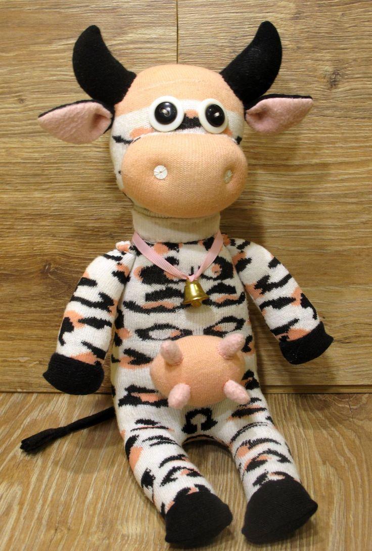 корова из носков