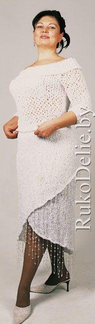 Вязаный спицами элегантный костюм: пуловер и юбка-платок