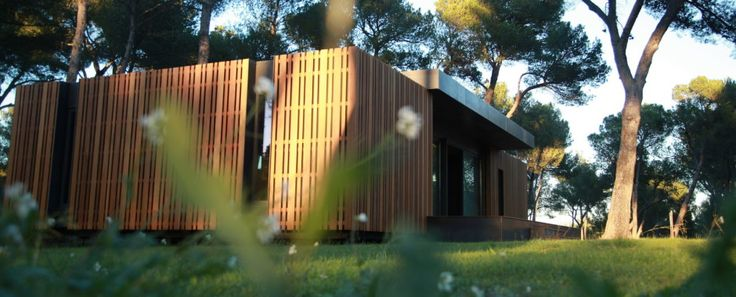 Pop-Up House: the affordable passive house. Four days and a wireless screwdriver are all you need to build your very own Pop-Up House.