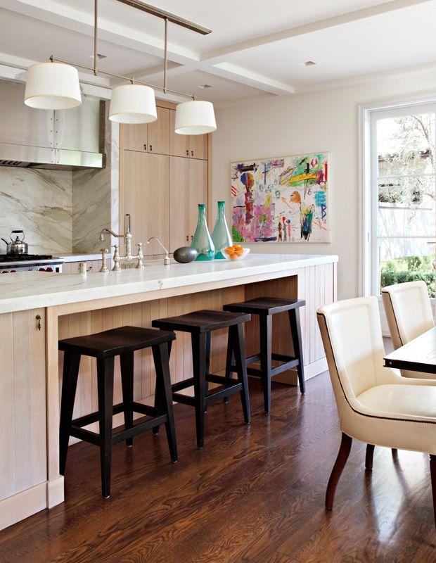 showcasing kids' art // kitchen // Architecture + Design: Studio William Hefner #kitchens