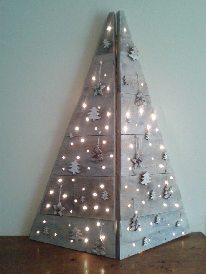 Kerstboom gemaakt van steigerhout