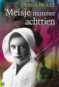 1. Kaft van het boek, Meisje nummer achttien. Ik ben dit boek 2 jaar geleden gaan lezen, omdat de voorkant me aansprak en de titel erg interessant vond.