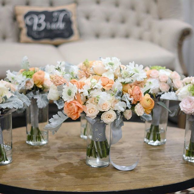 Congratulations Cynthia! #weddingday #bouquetoftheday #gardenbouquet #organic #bouquet #bride #bridal #bridesbouquet #ranunculus #gardenroses #sweetpeas #scabiosa #flowers #shades #peach #peachbouquet #grey #dustymiller #instagood #instawedding #hiddenpineschapel @waltersweddingestates #waltersweddingestates @eachandeverydetail #weddingplanner #bridesmaids #bridesmaidsbouquets #matching #smaller #scale @toastentertainment #lastnight
