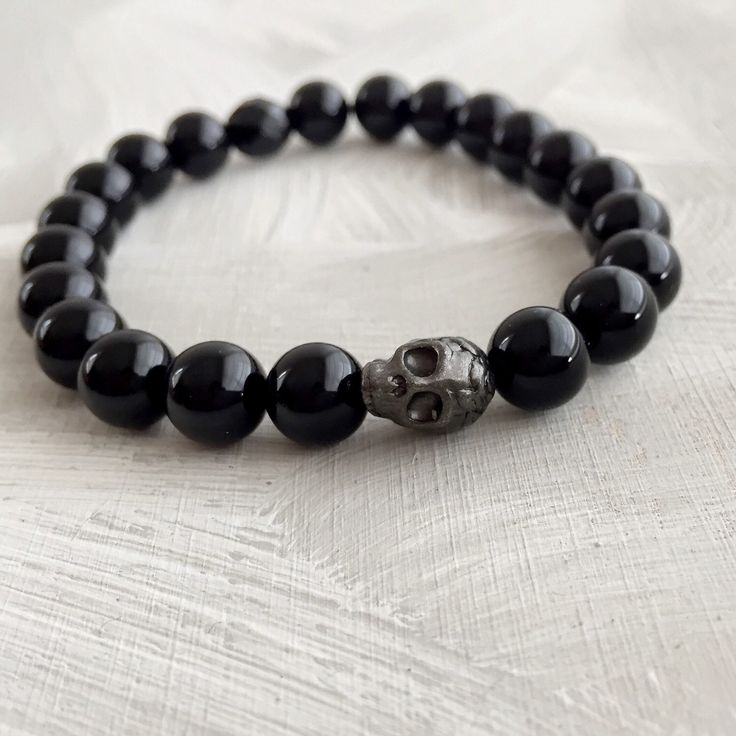 Un preferito personale dal mio negozio Etsy https://www.etsy.com/it/listing/269741091/braccialetto-teschio-nero-braccialetto