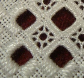 Tutorial for this filling stitch - a mix of Dove's eye and a web stitch? 小太陽DSC04679 | Flickr - Photo Sharing!