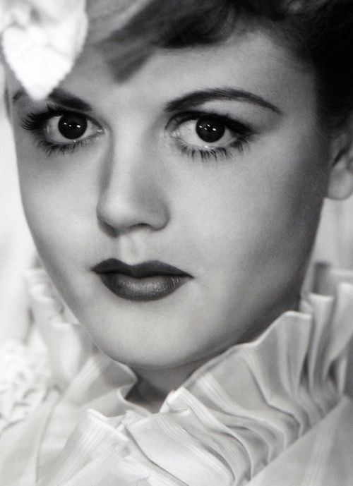 Angela Lansbury in The Private Affairs of Bel Ami (1947)