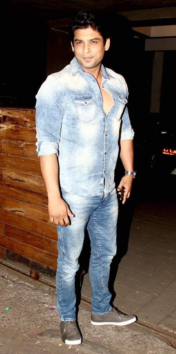 Siddharth Shukla at Manish Malhotra's birthday bash. #Bollywood #Fashion #Style #Handsome