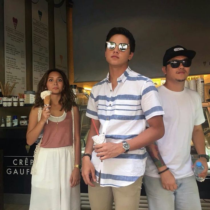 "This is the handsome Daniel Padilla and the pretty Kathryn Bernardo smiling for the camera and having a light snack together while enjoying the tour of Barcelona before the taping of their upcoming movie, ""Barcelona: A Love Untold"" somewhere in Barcelona, Spain. Indeed, KathNiel is my favourite Kapamilya love team, and they're amazing Star Magic talents. #KathrynBernardo #TeenQueen #DanielPadilla #KathNiel #KathNielBernaDilla #BarcelonaALoveUntold #KathNielinSpain"
