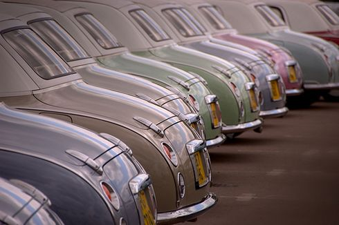 My dream car! Nissan Figaro: Wish upon a car... Glorious retro styling in ice cream shades.