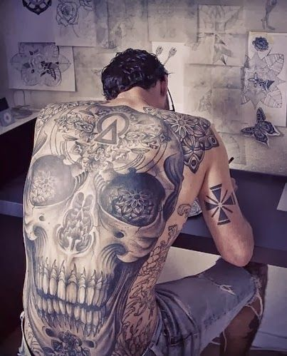 An awesome tattoo. A love for tattoo cant be better than this piece of work. An awesome tattoo on the whole of its back is marvelous.
