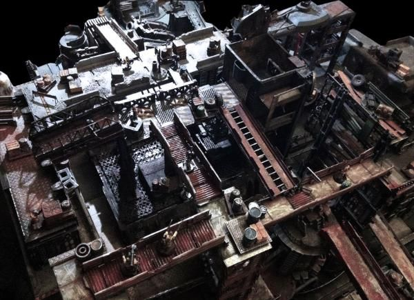 Seriously amazing terrain set-up for #Necromunda or any other sci-fi rpg. Check out the rest of the author's blog for more awesomeness.