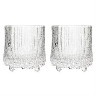 Ultima Thule On the rocks är ett unikt whiskeyglas från Iittala. Inspirerad av issmältningen i Lappland skapadeTapio Wirkkala Ultima Thule 1968. Designen speglar de tusentals timmar som spenderades på att förfina glasblåsnings-processen för att få fram rätt effekt. Ett klassiskt glas som fått nytt liv. 2-pack.