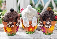 Versteckte Osterhasen aus befilzten Styropor-Eiern