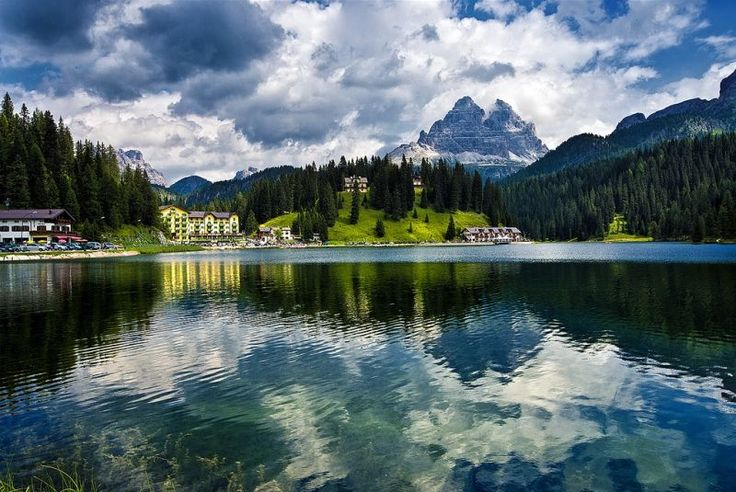 Lake Misurina, Veneto, Italy