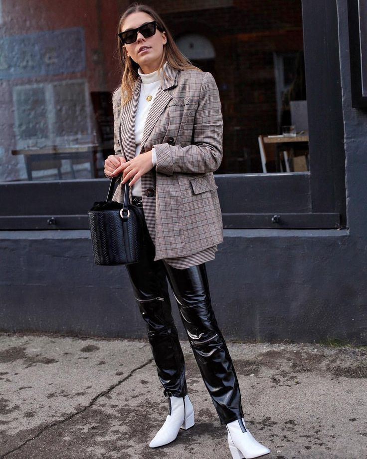 An actual stylish guide what to wear to work - The CLCK